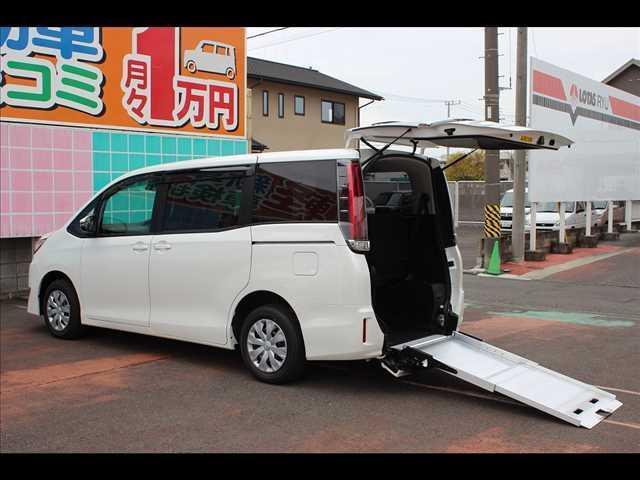 トヨタ ノア車いす仕様車 電動ウェルチェア XタイプIII 非課税