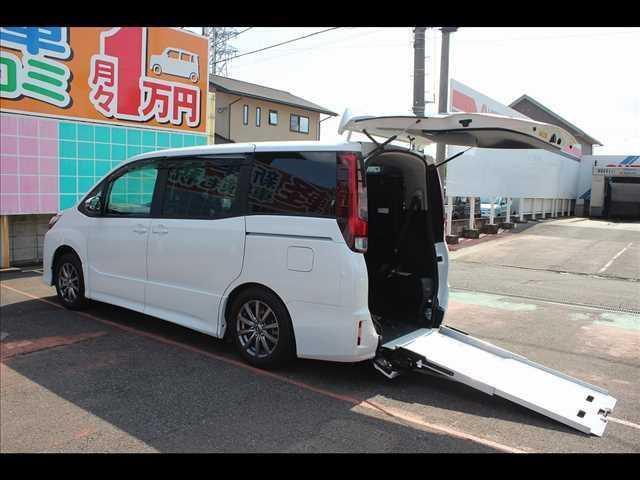 トヨタ 車いす仕様車サードシート付 Si タイプII 8人 非課税