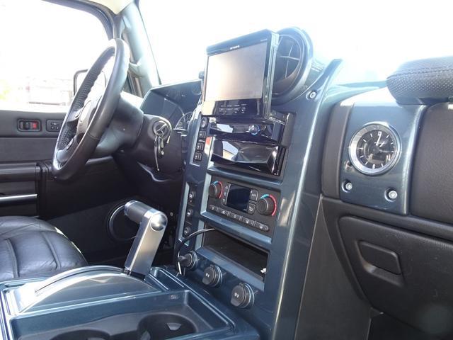 ラグジュアリーPKG 4WD 外マフラー ナビ 新車並行車(18枚目)