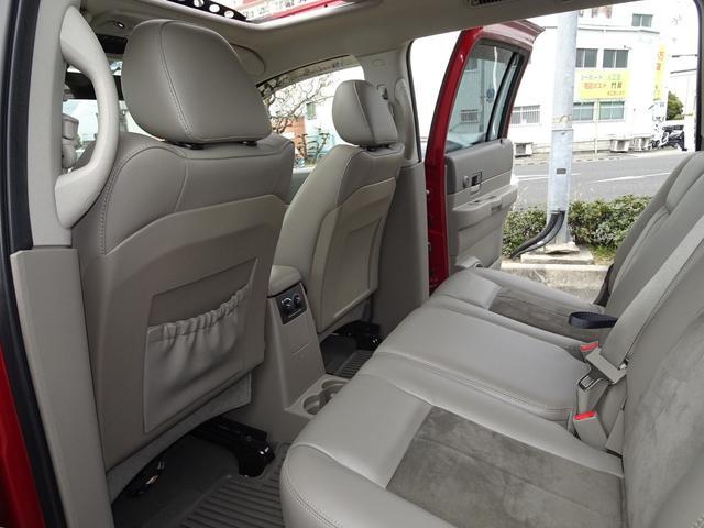 「ダッジ」「ダッジデュランゴ」「SUV・クロカン」「兵庫県」の中古車42