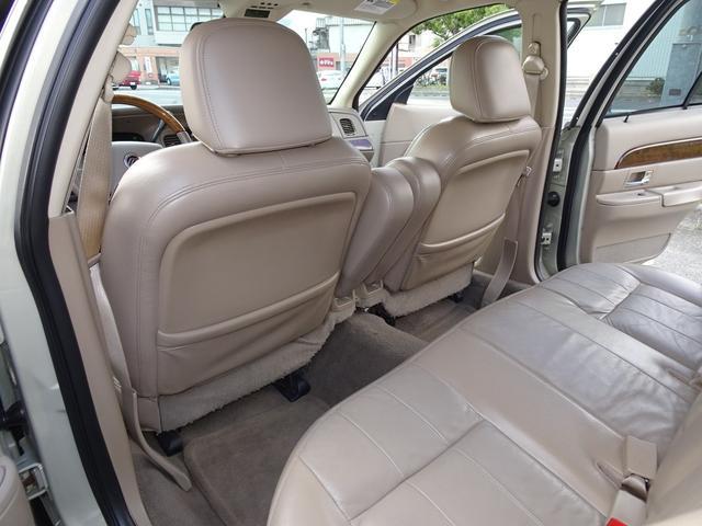 キレイで清潔感のある車内です。