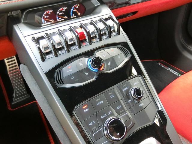 ランボルギーニ ランボルギーニ ウラカン スパイダー RWD LP580-2 D車 磁気サス Fリフト