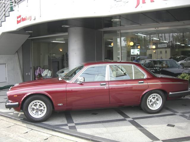 全国でも数少ない、ジャガー専門店です。 「新車では味わえない一台」に、きっと出会えます。