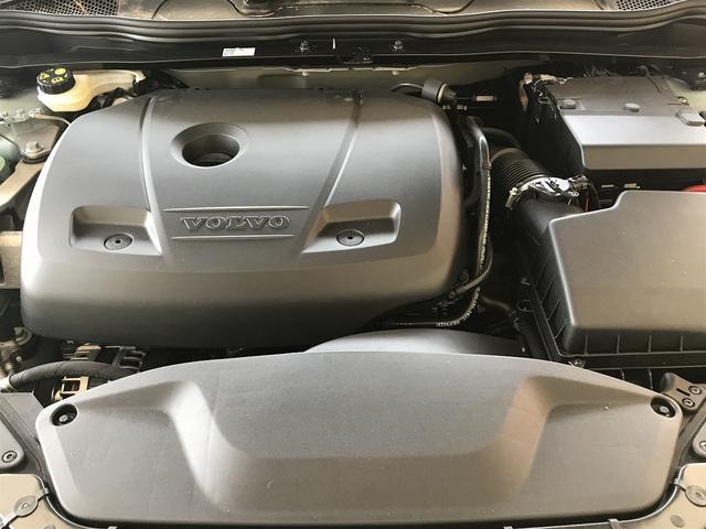 ボルボ ボルボ V40 T3 モメンタム 登録済み未使用車 インテリセーフ