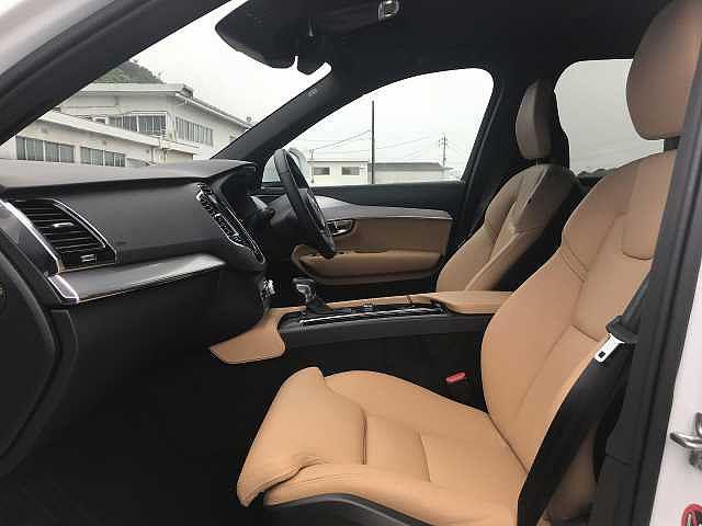 T5 AWD モーメンタム 社内試乗車使用 360℃モニター(13枚目)