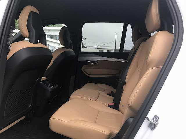 T5 AWD モーメンタム 社内試乗車使用 360℃モニター(14枚目)