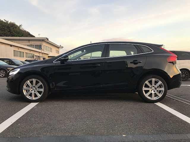 D4 インスクリプション 未使用 2018モデル 新車保証付(5枚目)