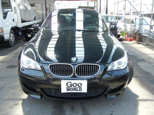 BMW BMW M5 サンルーフ パワーシート 19インチアルミ