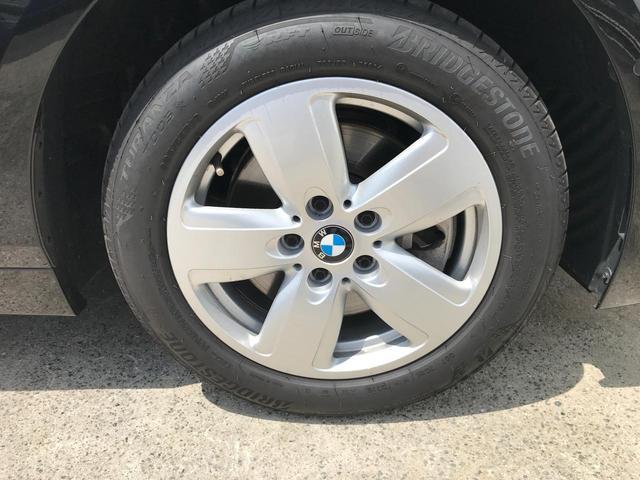 118i プレイ 弊社デモカー BMW アルミニウムライン オートマチックテールゲートオペレーション クルーズC コンフォートPKG ワイヤレスチャージング パーキングアシスト 16AW(30枚目)