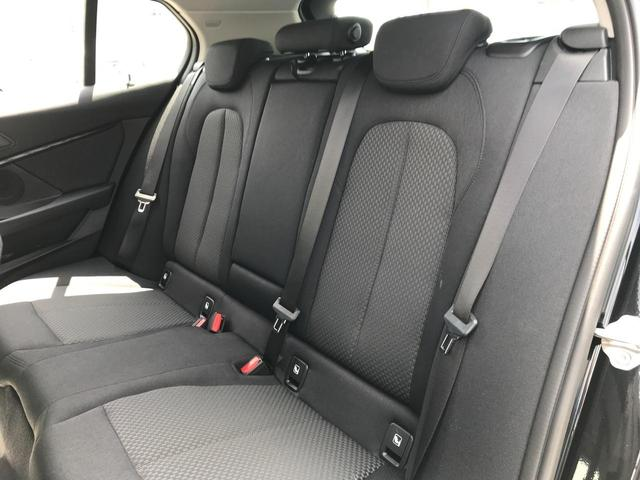 118i プレイ 弊社デモカー BMW アルミニウムライン オートマチックテールゲートオペレーション クルーズC コンフォートPKG ワイヤレスチャージング パーキングアシスト 16AW(38枚目)
