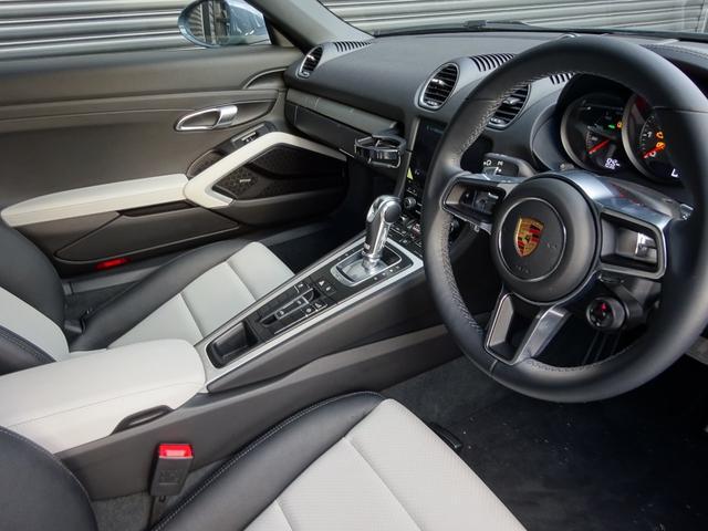 ポルシェ ポルシェ 718ボクスター 2トーンインテリア 新車保証継承