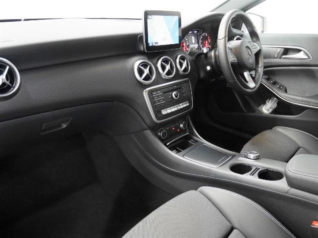 メルセデス・ベンツ M・ベンツ A180 スタイル レーダーセーフティパッケージ 4年保証