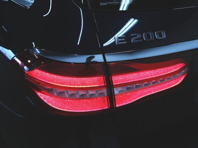 E200 ステーションワゴン アバンギャルド エクスクルーシブパッケージ (BSG搭載モデル) 4年保証 新車保証(7枚目)