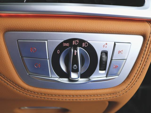 740i 1ヶ月保証 本革 シートヒーター シートエアコン パワーシート フロアマット HDDナビ マルチ CD ミュージックサーバー 音楽プレーヤー接続 Bluetooth接続 フルセグ DVD再生(19枚目)