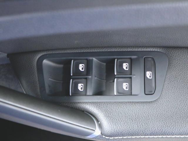 1ヶ月保証 コンビ シートヒーター パワーシート トランクスルー フロアマット メモリーナビ マルチ CD 音楽プレーヤー接続 Bluetooth接続 フルセグ DVD再生 ETC LED(18枚目)