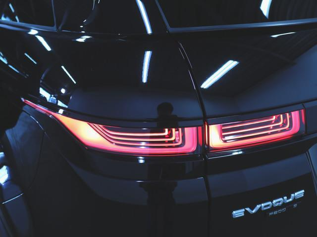 S 1ヶ月保証 新車保証 本革 パワーシート トランクスルー フロアマット HDDナビ マルチ 音楽プレーヤー接続 Bluetooth接続 ETC LED 電動リアゲート 全周囲カメラ(7枚目)