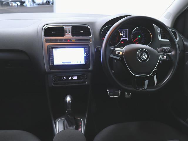 オールスター ファブリック トランクスルー フロアマット メモリーナビ マルチ CD 音楽プレーヤー接続 Bluetooth接続 フルセグ DVD再生 ETC LED バックモニター 盗難防止装置(3枚目)