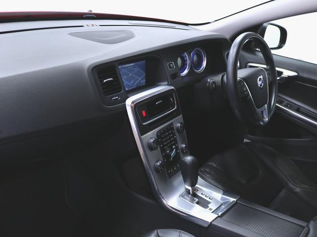 T4 Rデザイン 本革 シートヒーター パワーシート トランクスルー フロアマット HDDナビ マルチ CD ミュージックサーバー 音楽プレーヤー接続 Bluetooth接続 フルセグ DVD再生(4枚目)