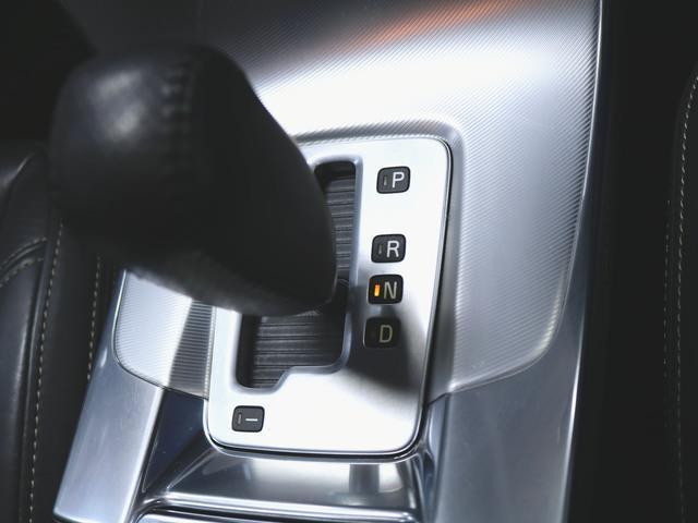 T4 Rデザイン 本革 シートヒーター パワーシート トランクスルー フロアマット HDDナビ マルチ CD ミュージックサーバー 音楽プレーヤー接続 Bluetooth接続 フルセグ DVD再生(24枚目)