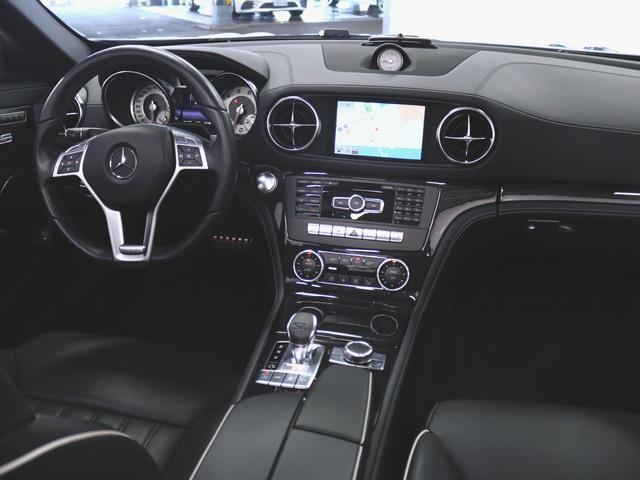 SL550 本革 シートヒーター パワーシート フロアマット HDDナビ マルチ CD ミュージックサーバー 音楽プレーヤー接続 Bluetooth接続 フルセグ DVD再生 ETC ガラスルーフ(3枚目)