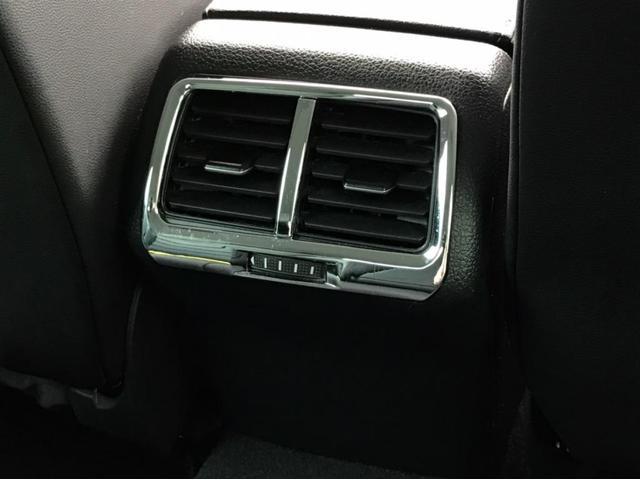 TSIハイライン マイスター ナビ バックカメラ ETC フルセグTV レザーシート シートヒーター ワンオーナー 禁煙車 18インチアルミホイール Bluetooth接続 ミュージックプレイヤー接続可 LEDヘッドライト(13枚目)