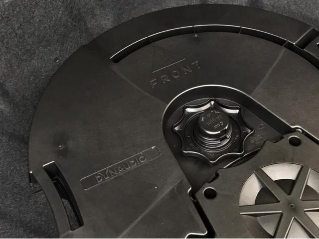 TSIハイライン マイスター ナビ バックカメラ ETC フルセグTV レザーシート シートヒーター ワンオーナー 禁煙車 18インチアルミホイール Bluetooth接続 ミュージックプレイヤー接続可 LEDヘッドライト(18枚目)