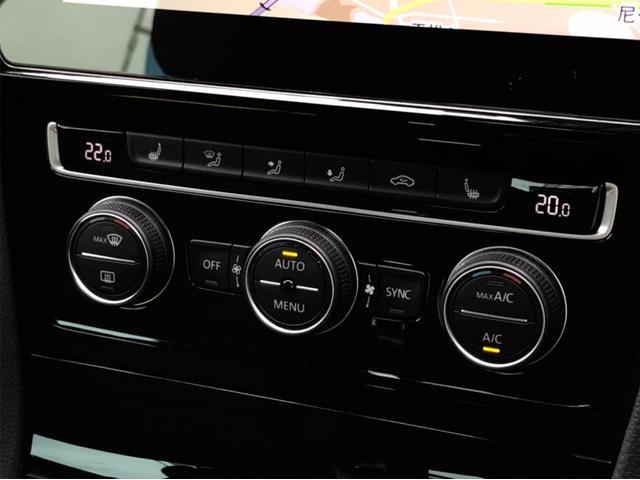 TSIハイライン マイスター ナビ バックカメラ ETC フルセグTV レザーシート シートヒーター ワンオーナー 禁煙車 18インチアルミホイール Bluetooth接続 ミュージックプレイヤー接続可 LEDヘッドライト(34枚目)