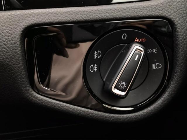 TSIハイライン マイスター ナビ バックカメラ ETC フルセグTV レザーシート シートヒーター ワンオーナー 禁煙車 18インチアルミホイール Bluetooth接続 ミュージックプレイヤー接続可 LEDヘッドライト(43枚目)