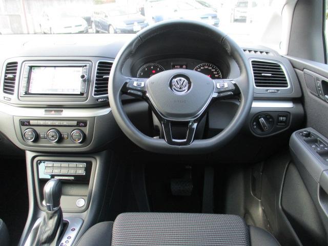 フォルクスワーゲン VW シャラン TSIコンフォートラインVW純正ナビ キセノンヘッドライト付