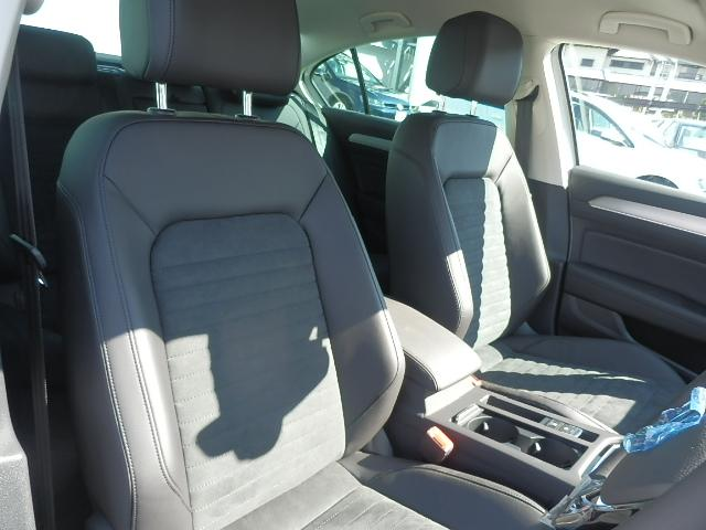 フォルクスワーゲン VW パサート 新型TSIエレガンスライン VW純正ナビ 電動リヤゲート