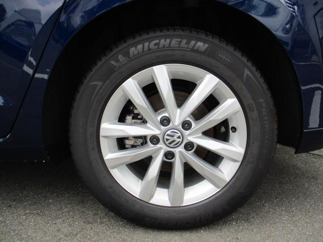 フォルクスワーゲン VW ゴルフトゥーラン 新型TSIコンフォートライン 純正ナビ アップグレードPKG