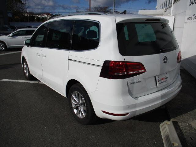 新型TSIコンフォートライン VW純正ナビ 電動サンルーフ(6枚目)