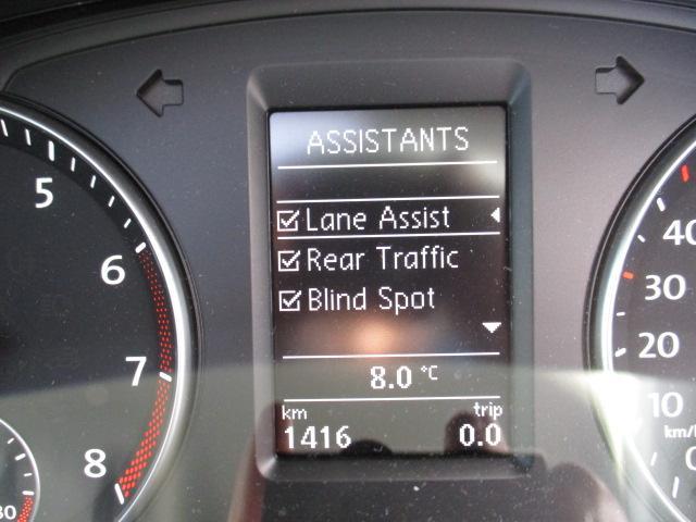 新型TSIコンフォートライン VW純正ナビ 電動サンルーフ(17枚目)