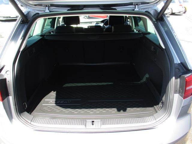 新型TDIエレガンスライン VW純正ナビ 電動ゲート ETC(9枚目)