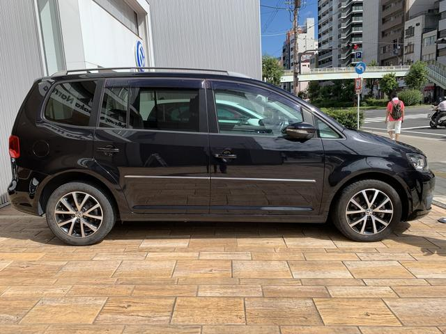 「フォルクスワーゲン」「VW ゴルフトゥーラン」「ミニバン・ワンボックス」「大阪府」の中古車3