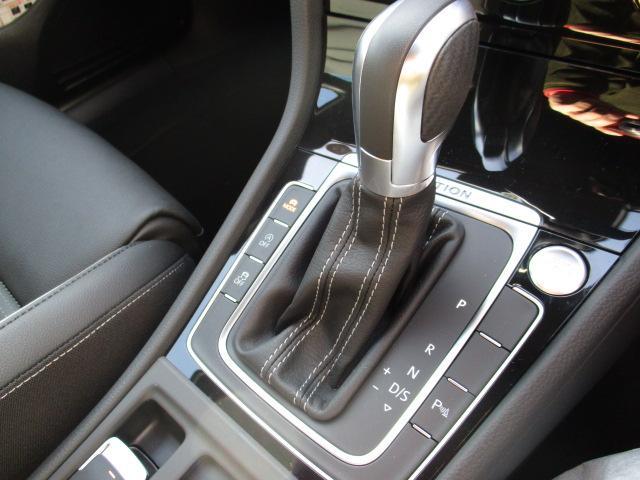 「フォルクスワーゲン」「VW ゴルフRヴァリアント」「ステーションワゴン」「奈良県」の中古車12