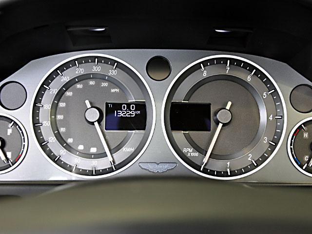 「アストンマーティン」「DBS」「オープンカー」「大阪府」の中古車18