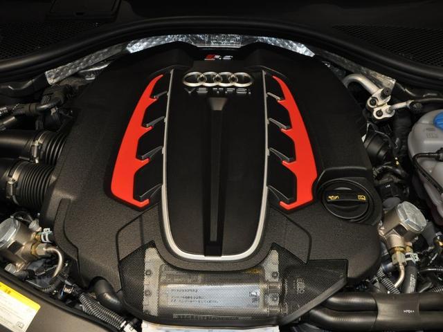「アウディ」「アウディ RS6アバント パフォーマンス」「ステーションワゴン」「大阪府」の中古車17