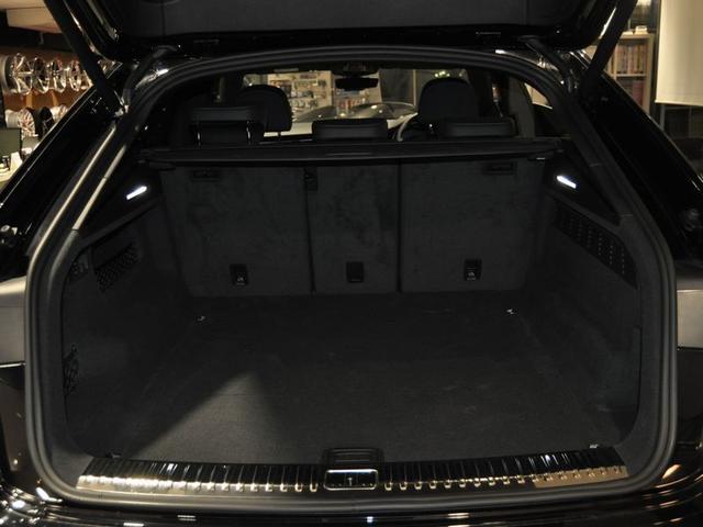 SUVならではの広いラゲッジスペース!