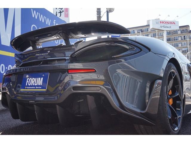 マクラーレン『570Sクーペ』をベースに期間限定発売された600LTは『F1 GTRロングテール』に由来するLTの名称で公道走行可能なレーシングカーとなっております。