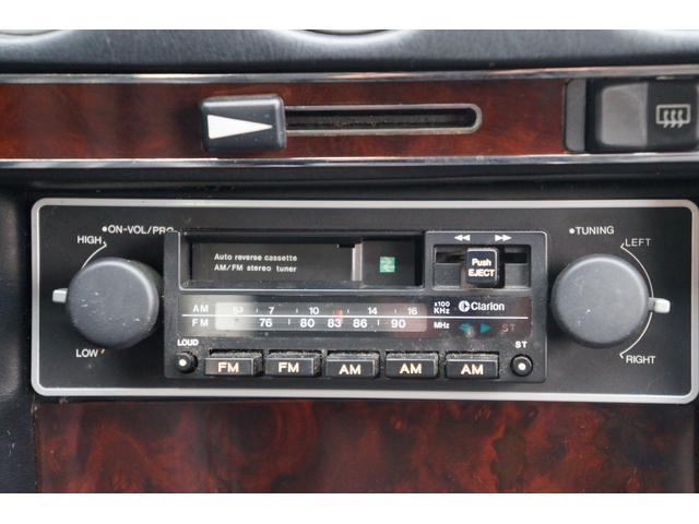 カセット&ラジオのデッキが、懐かしさを感じさせてくれます!!