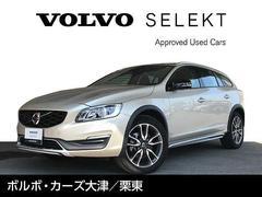 ボルボ V60T5 AWD SE DemoCarハンドルヒーター付
