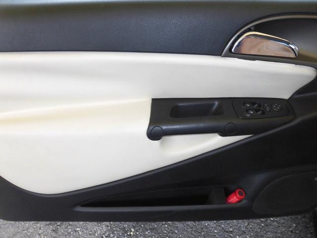 「ランチア」「イプシロン」「コンパクトカー」「大阪府」の中古車65