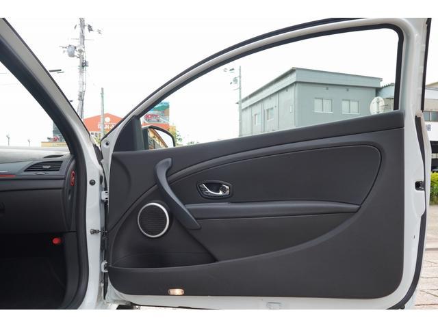 「ルノー」「メガーヌ」「コンパクトカー」「奈良県」の中古車9