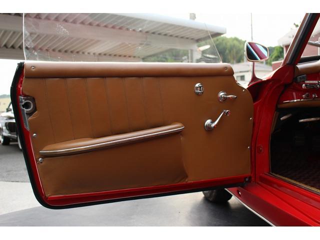 190SL W121 4MT 1960年式 幌張り替え済み(15枚目)
