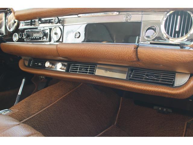 280SL W113 4AT 1969年式 禁煙車(14枚目)
