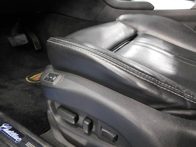 「キャデラック」「キャデラック SRXクロスオーバー」「SUV・クロカン」「鹿児島県」の中古車17