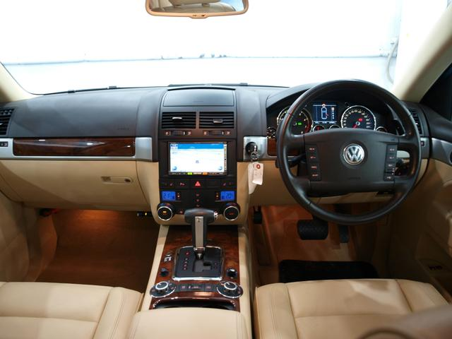 「フォルクスワーゲン」「VW トゥアレグ」「SUV・クロカン」「大阪府」の中古車3