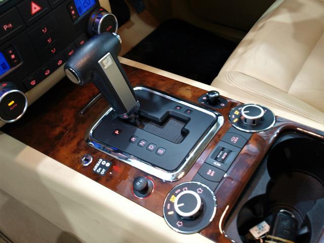 「フォルクスワーゲン」「VW トゥアレグ」「SUV・クロカン」「大阪府」の中古車6