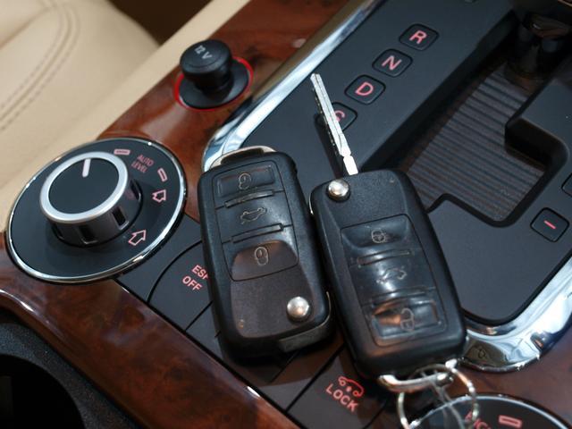 「フォルクスワーゲン」「VW トゥアレグ」「SUV・クロカン」「大阪府」の中古車12
